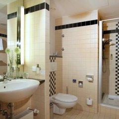 Отель Lindner Hotel Dom Residence Германия, Кёльн - 8 отзывов об отеле, цены и фото номеров - забронировать отель Lindner Hotel Dom Residence онлайн ванная