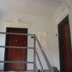 Hakuna Matata Hostel сейф в номере