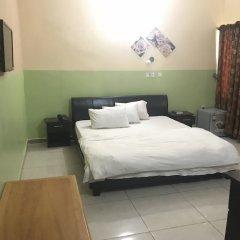 Отель Richmond Hills Suites Энугу комната для гостей фото 5