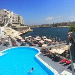 Отель The Seafront Tower Мальта, Слима - отзывы, цены и фото номеров - забронировать отель The Seafront Tower онлайн пляж
