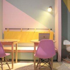 Seek Sleep Hostel Бангкок комната для гостей фото 3
