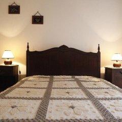 Отель Casas do Capelo сейф в номере