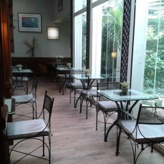 Отель Apollinaire Франция, Париж - отзывы, цены и фото номеров - забронировать отель Apollinaire онлайн гостиничный бар