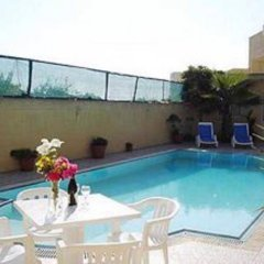 Отель Villa Darta Jeffrey бассейн