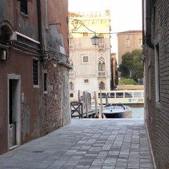 Отель Le Repubbliche Marinare Guesthouse Италия, Венеция - 1 отзыв об отеле, цены и фото номеров - забронировать отель Le Repubbliche Marinare Guesthouse онлайн балкон