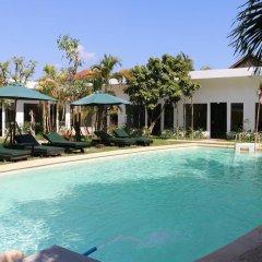 Antique Palm Hotel бассейн фото 2