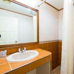 Отель Wall Street Inn Бангкок ванная фото 2