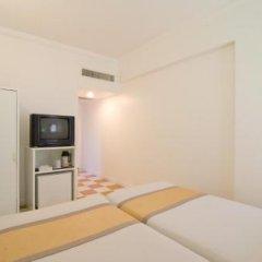 Ambassador City Jomtien Hotel Inn Wing сейф в номере