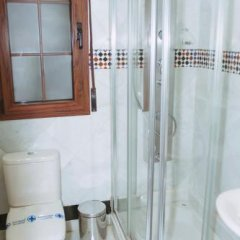 Отель Vivienda Turistica Arabeluj Испания, Гуэхар-Сьерра - отзывы, цены и фото номеров - забронировать отель Vivienda Turistica Arabeluj онлайн ванная фото 2