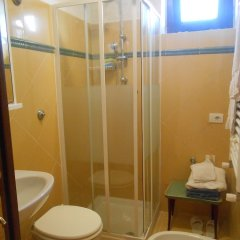 Отель Il Vascello Кастель-Сан-Пьетро-Романо ванная