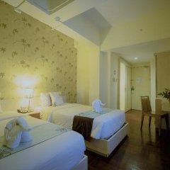 Отель Villa Cha Cha Rambuttri Бангкок сейф в номере