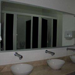 Отель Hostal Centro Historico Oasis Мехико ванная фото 2