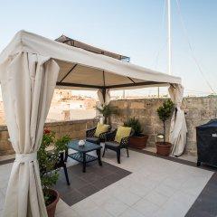 Отель Julesys BnB Мальта, Гранд-Харбор - отзывы, цены и фото номеров - забронировать отель Julesys BnB онлайн бассейн фото 2