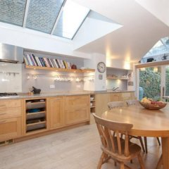 Отель Veeve Roderick Road 5 Bed Family Home Hampstead в номере