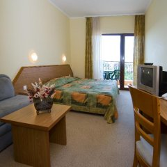 Hrizantema- All Inclusive Hotel комната для гостей фото 5