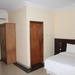 Отель Tyndale Residence Ltd комната для гостей фото 3