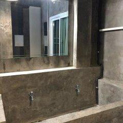 Отель Rest at Ekkamai ванная фото 2