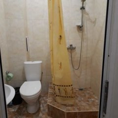 Гостиница Kvartira u morya 2 в Сочи отзывы, цены и фото номеров - забронировать гостиницу Kvartira u morya 2 онлайн ванная фото 2