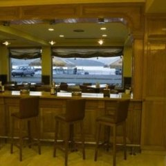 Hotel As Brisas do Freixo гостиничный бар