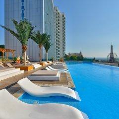 Отель INTERNATIONAL Hotel Casino & Tower Suites Болгария, Золотые пески - 2 отзыва об отеле, цены и фото номеров - забронировать отель INTERNATIONAL Hotel Casino & Tower Suites онлайн бассейн фото 2