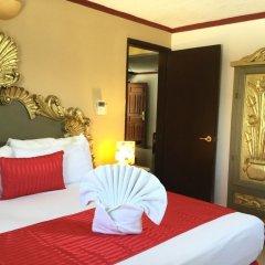 Отель Las Golondrinas Плая-дель-Кармен сейф в номере