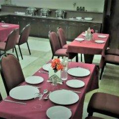 Отель Green Valley(Nehru Place) - Boutique Hotel Индия, Нью-Дели - отзывы, цены и фото номеров - забронировать отель Green Valley(Nehru Place) - Boutique Hotel онлайн питание фото 2