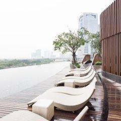 Отель At Chatuchak By Favstay Таиланд, Бангкок - отзывы, цены и фото номеров - забронировать отель At Chatuchak By Favstay онлайн бассейн