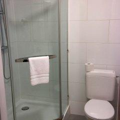 Отель Holidays Apart-Hotel Бельгия, Брюссель - 1 отзыв об отеле, цены и фото номеров - забронировать отель Holidays Apart-Hotel онлайн ванная
