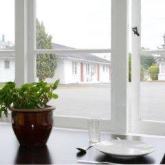 Отель 2400 Motel Канада, Ванкувер - отзывы, цены и фото номеров - забронировать отель 2400 Motel онлайн гостиничный бар