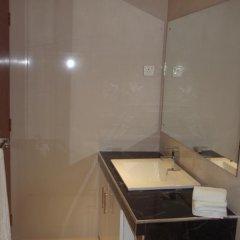Отель Seatra Residency Шри-Ланка, Коломбо - отзывы, цены и фото номеров - забронировать отель Seatra Residency онлайн ванная фото 2