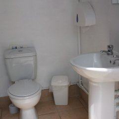 Отель The Little Hide - Grown Up Glamping ванная