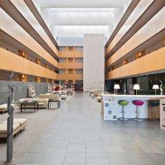 Отель TRYP Barcelona Aeropuerto Hotel Испания, Эль-Прат-де-Льобрегат - 7 отзывов об отеле, цены и фото номеров - забронировать отель TRYP Barcelona Aeropuerto Hotel онлайн бассейн
