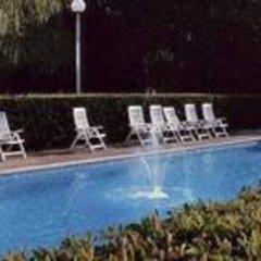 Hotel Mercure Paris Le Bourget бассейн фото 2