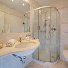 Hotel Girlanerhof Аппиано-сулла-Страда-дель-Вино ванная фото 2