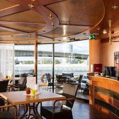 Отель Baxter Hoare Hotelship - Adults only Германия, Дюссельдорф - отзывы, цены и фото номеров - забронировать отель Baxter Hoare Hotelship - Adults only онлайн гостиничный бар