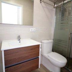 Отель Palmeras 5.2 Испания, Курорт Росес - отзывы, цены и фото номеров - забронировать отель Palmeras 5.2 онлайн ванная