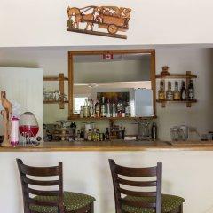 Отель Pipers Cove - Runaway Bay гостиничный бар