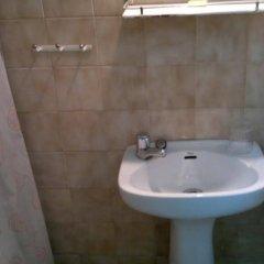 Отель Pensión Rodríguez Испания, Мадрид - отзывы, цены и фото номеров - забронировать отель Pensión Rodríguez онлайн ванная