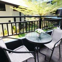 Отель Baan Bangsaray Condo Банг-Саре балкон