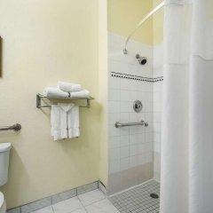 Отель Clarion Inn & Suites Clearwater ванная фото 2