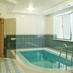 Гостиница Гранд-Петтине бассейн