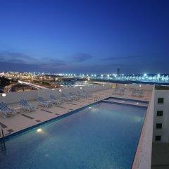 Отель Premier Inn Dubai International Airport бассейн фото 2