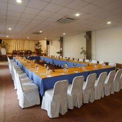 Отель Dhulikhel Lodge Resort Непал, Дхуликхел - отзывы, цены и фото номеров - забронировать отель Dhulikhel Lodge Resort онлайн помещение для мероприятий фото 2