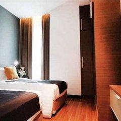 Отель Vertical Suite Бангкок сейф в номере
