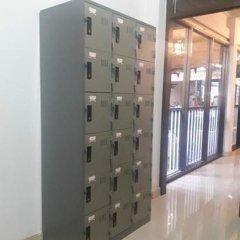 K8 Hostel Бангкок сейф в номере