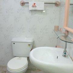 Отель Keves Inn and Suites Нигерия, Калабар - отзывы, цены и фото номеров - забронировать отель Keves Inn and Suites онлайн ванная