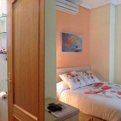 Отель Hostal Luz Испания, Мадрид - 7 отзывов об отеле, цены и фото номеров - забронировать отель Hostal Luz онлайн комната для гостей фото 5