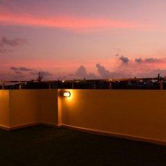 Отель Golden Spiral Maldives Мальдивы, Мале - отзывы, цены и фото номеров - забронировать отель Golden Spiral Maldives онлайн балкон