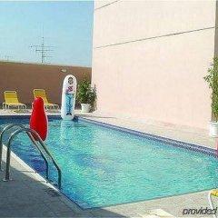 Ramee Guestline 2 Hotel Apartments бассейн фото 3