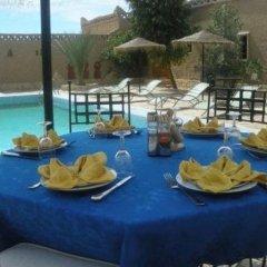 Отель Les Portes Du Desert Марокко, Мерзуга - отзывы, цены и фото номеров - забронировать отель Les Portes Du Desert онлайн питание